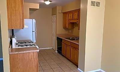 Kitchen, 71 Beechwoode Ln, 1