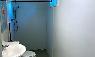 Bathroom, 19 E Garfield St, 1