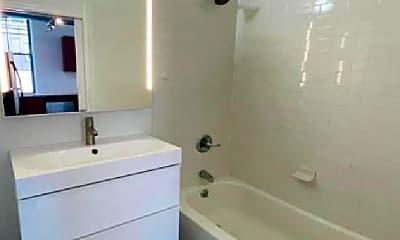 Bathroom, 1637 Poplar St, 1