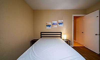 Bedroom, Room for Rent - Live in Shaver Place, 2