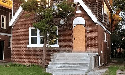 Building, 8916 Mendota St, 1