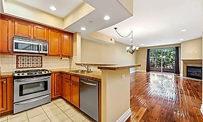 Kitchen, 5753 White Oak Ave 10, 1