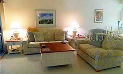 Living Room, 4275 Castle Bridge 1311, 1