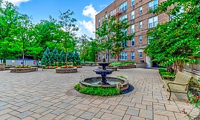 Courtyard, Parktowne Apartments, 0