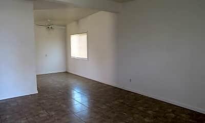 Living Room, 2092 Oak St, 1