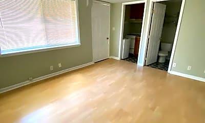 Living Room, 373 Klamath St, 0