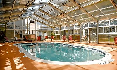 Pool, 2003 Skyline Dr, 2