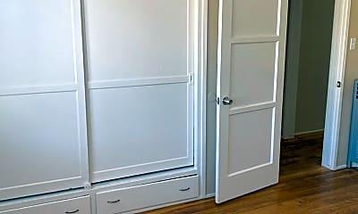 Bedroom, 931 Dawson Ave, 2