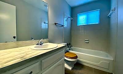 Bathroom, 2601 Wilds St, 2