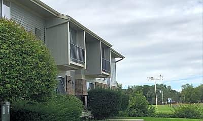 Everett Apartments, 2