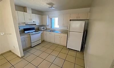 Kitchen, 452 SW 10th St, 1