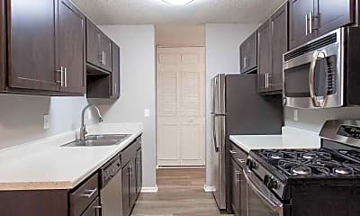 Kitchen, Stratford Wood Apartments & Townhomes, 0