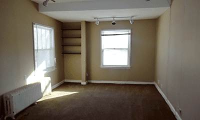 Bedroom, 527 6th Ave SW, 2