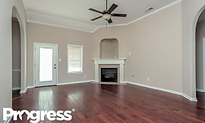 Living Room, 10 McKinzie Cv, 1