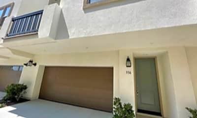 Building, 336 Waterbury Court, 1