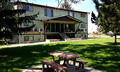 Building, Almanor Apartments, 0