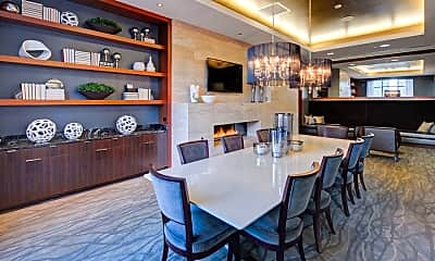 Dining Room, 71 W Hubbard St 4707, 2