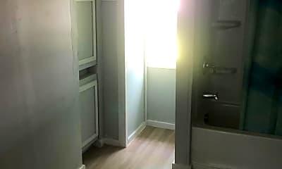 Bathroom, 1116 N Jackson St, 2