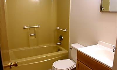Bathroom, 4301 Earl Dr, 2