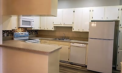 Kitchen, 3360 Eastwood Dr, 1