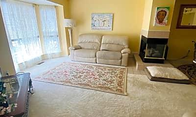 Living Room, 8613 Otter Creek Rd, 1