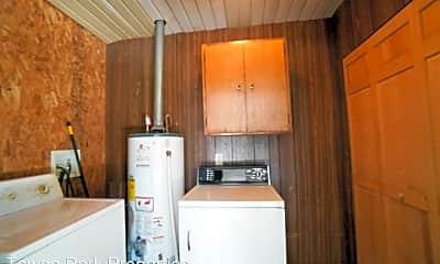 Kitchen, 3709 Columbia Dr, 2