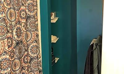 Bathroom, 1241 E Palmer St, 2