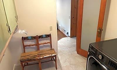 Living Room, 307 S 19th St, 2