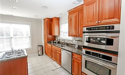 Kitchen, 305 26th St, 2