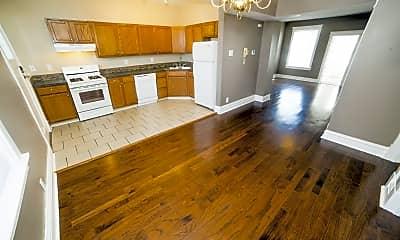 Living Room, 3803 Shaw Blvd, 1