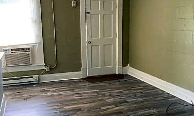 Living Room, 814 Fowlers Ln, 1