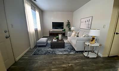 Living Room, 2601 Delano Ave, 1