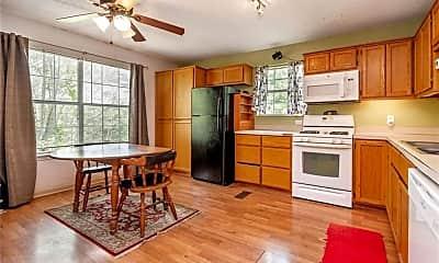Kitchen, 1550 E 5th St, 1