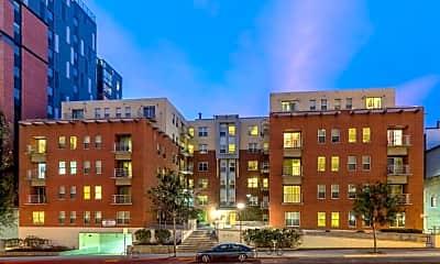 Building, 420 West, 0