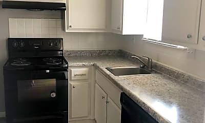 Kitchen, 2925 Dubuque St, 1