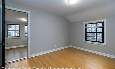 Bedroom, 826 W Lakeside St, 2