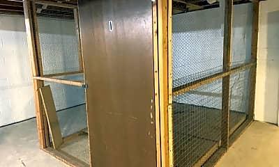 Bathroom, 732-738 Mansfield Ct, 2