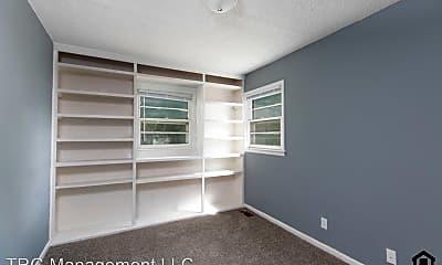 Bedroom, 320 S Poplar St, 2