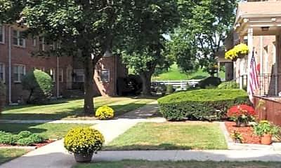 Courtyard, Fairway Gardens, 1