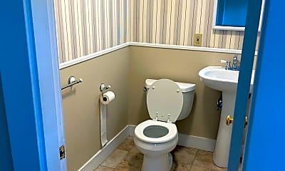 Bathroom, 75 Charles St, 2