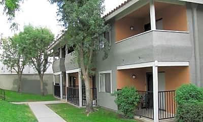 Casa Loma, 1