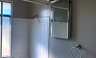 Bathroom, 2855 Harrison St, 2