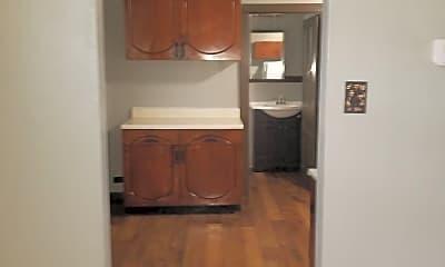 Kitchen, 511 Schirmer St, 1