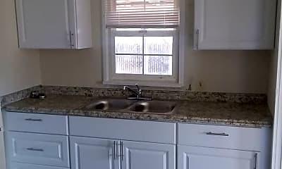 Kitchen, 5307 Clover Ln, 2