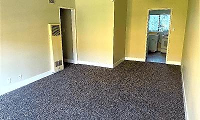 Living Room, 170 S Chester Ave, 1