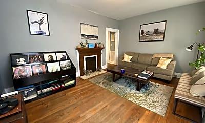 Living Room, 722 Morgan St, 1