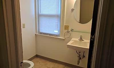 Bathroom, 119 Trinity Pl, 2