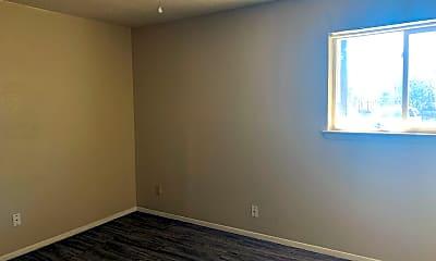 Bedroom, 717 S Green St, 2