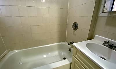 Bathroom, 150 W 140th St 2-K, 2