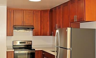 Kitchen, 365 Peoria St, 1